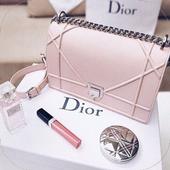 Beautiful Handbag Design icon