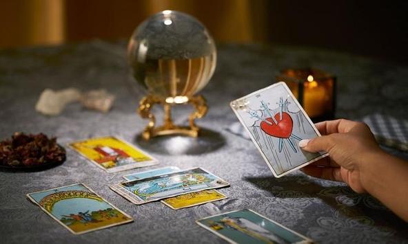 Free Tarot Card Reading Apps Women poster