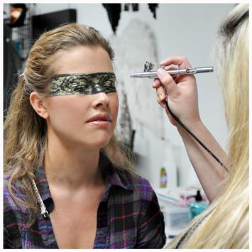 Airbrush Makeup Classes screenshot 3