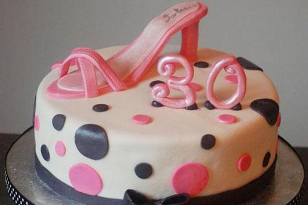 80 Elegant 30th Birthday Cakes Screenshot 2