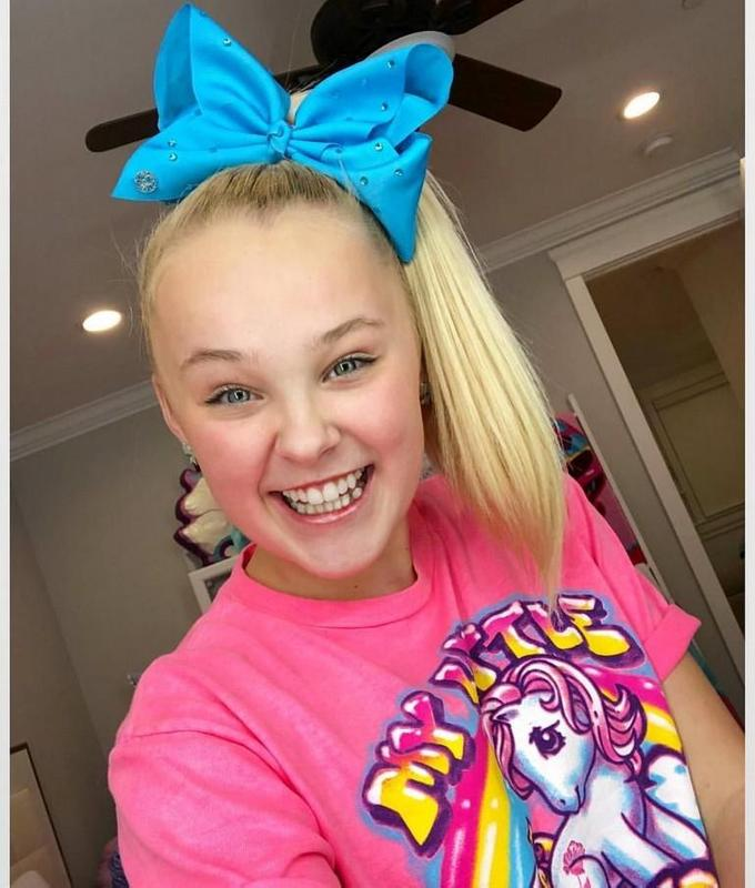 Jojo Siwa Wallpaper Background For Android
