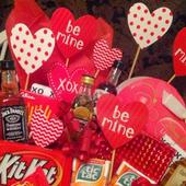 Cheap Valentines Gifts For Him icon