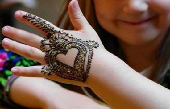 Mehndi Hands With Mobile : Baby girls mehndi design 2018 for android apk download