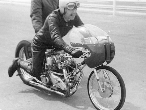 Drag Race Motocycle Reference screenshot 2