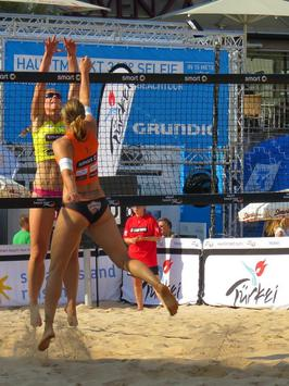 Beach Volleyball HD Wallpapers poster