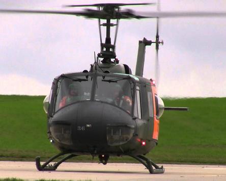 Puzzle Bell UH 1 Iroquois Aircraft screenshot 3