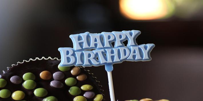 Spanish Happy Birthday Songs poster