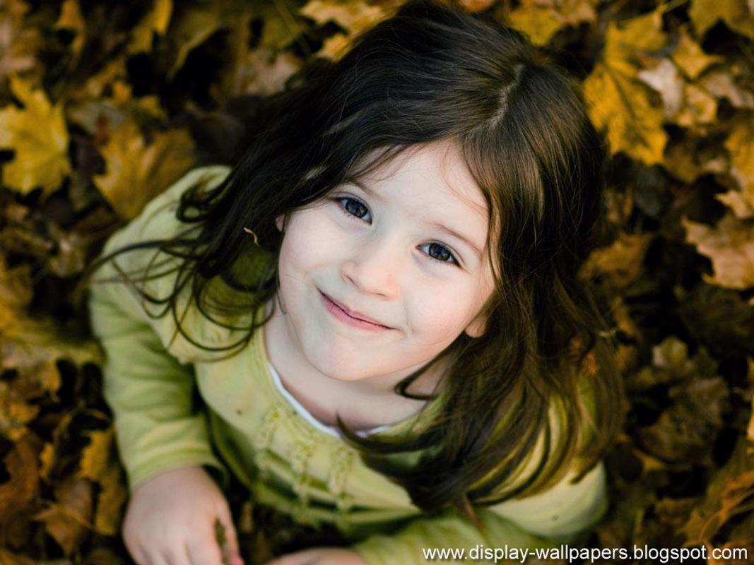 Cute baby girl wallpaper apk cute baby girl wallpaper apk voltagebd Images