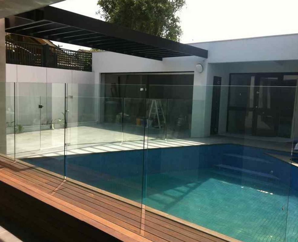 Attraktiv Zaun Design Dekoration Von Glas-pool-zaun-design Screenshot 3