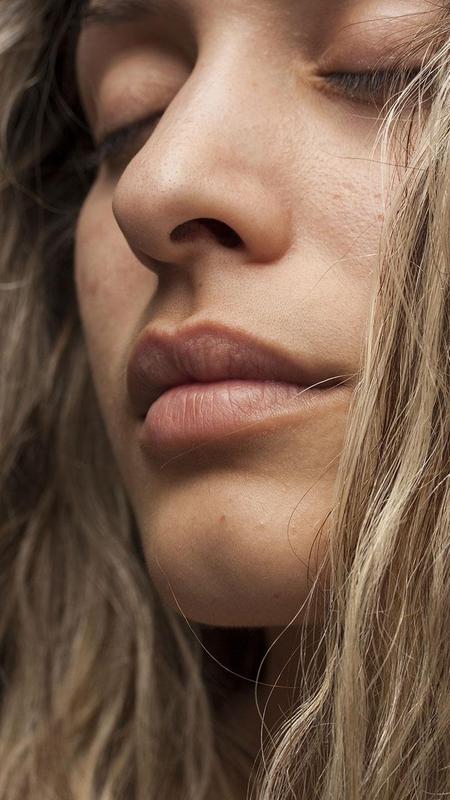 sexy-lips-girl