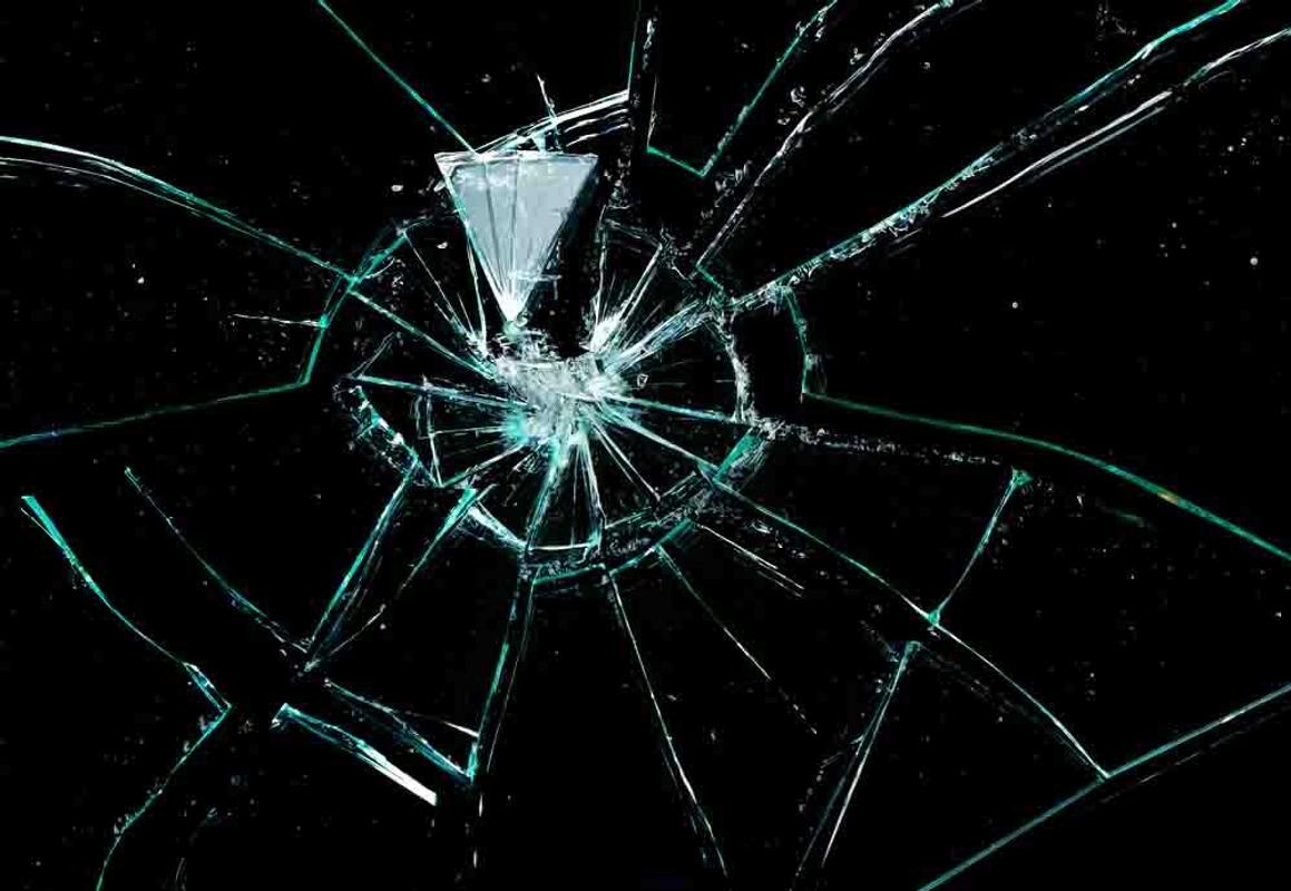 Broken glass wallpaper apk broken glass wallpaper apk voltagebd Gallery