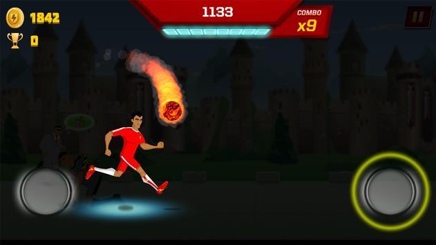 Supa Strikas Dash - Dribbler Runner Game apk screenshot