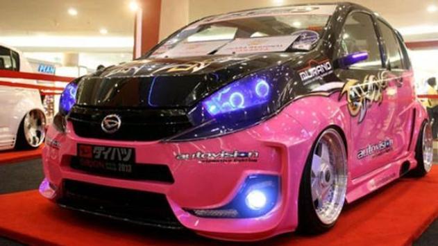 440 Koleksi Modifikasi Mobil Ayla Stiker Gratis Terbaik