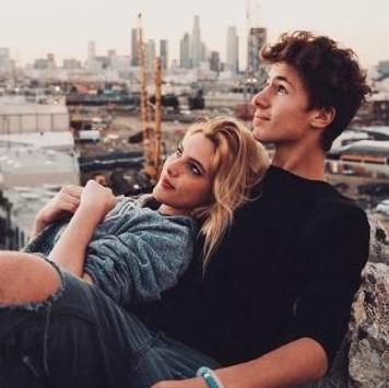 Photo Poses For Couple screenshot 5
