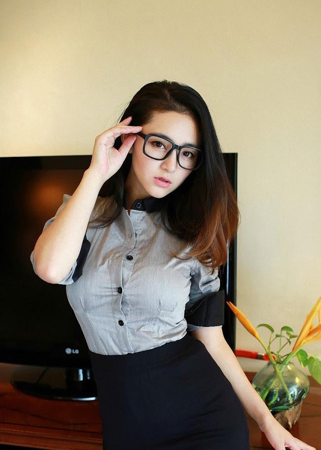 18 Girl
