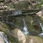 Beautiful natural dam icon