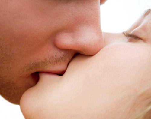 Romantic Kiss Wallpapers Hd For Android Apk Download