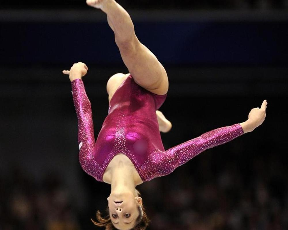 Gymnastics Wallpapers Poster Apk Screenshot
