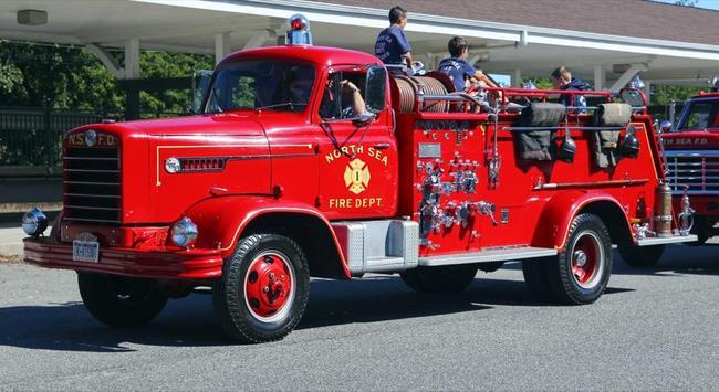 Fire Engines Wallpapers FREE screenshot 1
