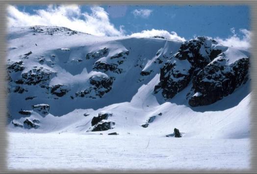 Snowy Mountains Wallpaper screenshot 1