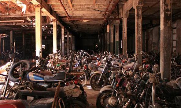 Motorcycle Graveyard Escape apk screenshot