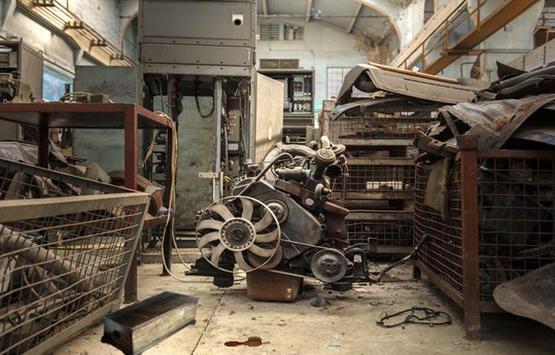 Abandoned Factory Escape 13 screenshot 4