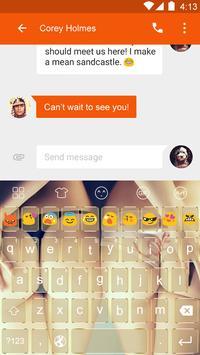 Sexy Girl Love Emoji Keyboard apk screenshot