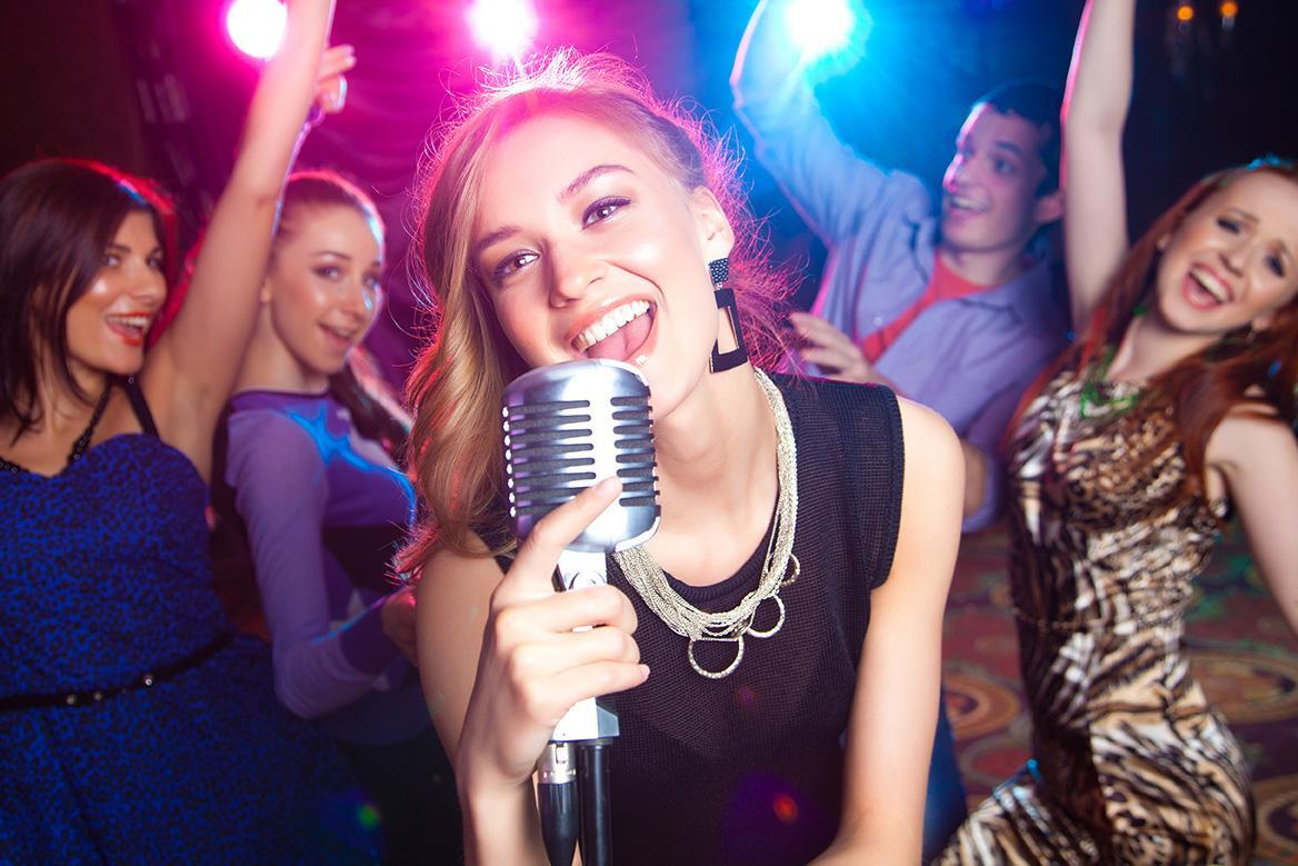 Free Karaoke Online 2018: Sing Music with Lyrics! for Android - APK
