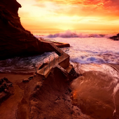 Cliff and ocean live wallpaper icon