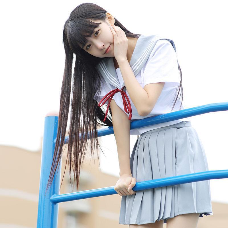 Hot Girl Schuluniform