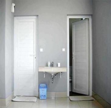 Bathroom door design screenshot 1