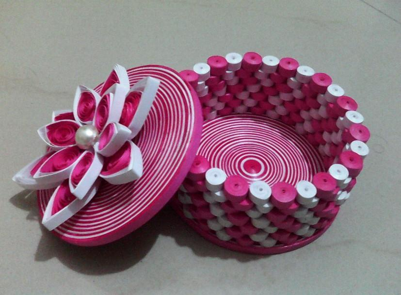How to make a Paper basket/Quilling basket tutorial - YouTube | 608x827