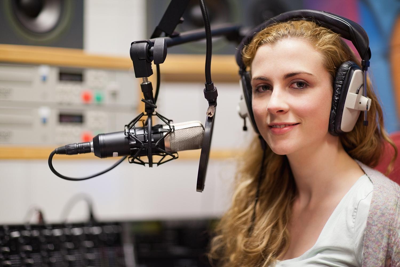 Девушки на радио картинки