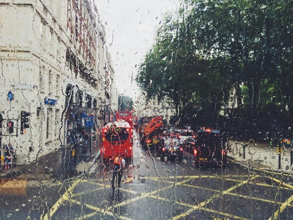 Download 550 Wallpaper Pemandangan Hujan Keren Foto Gratis Terbaru