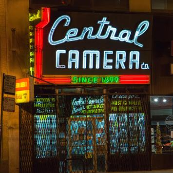 Camera Central poster