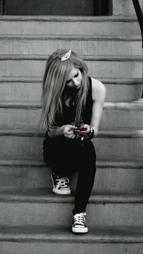 Avril Lavigne Wallpapers For Android Apk Download
