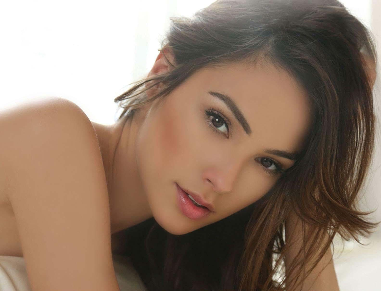 Gal Gadot Wallpapers Hd For Android Apk Download