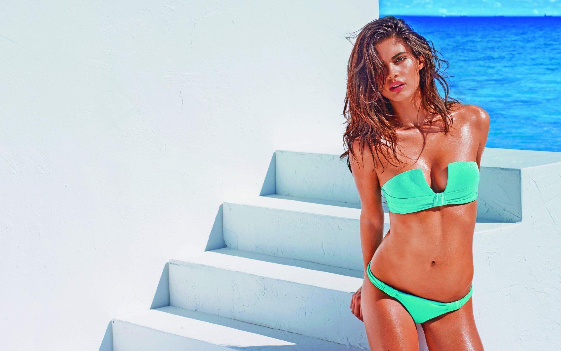 Aplikasi aplikasi Sexy Hot Bikini Girls Wallpapers HD v1.0